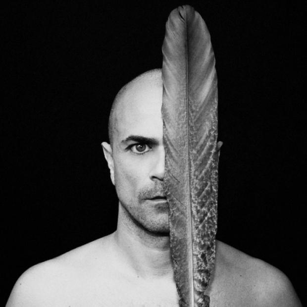 Feather1, by ©GBénard 2012 (Paris)