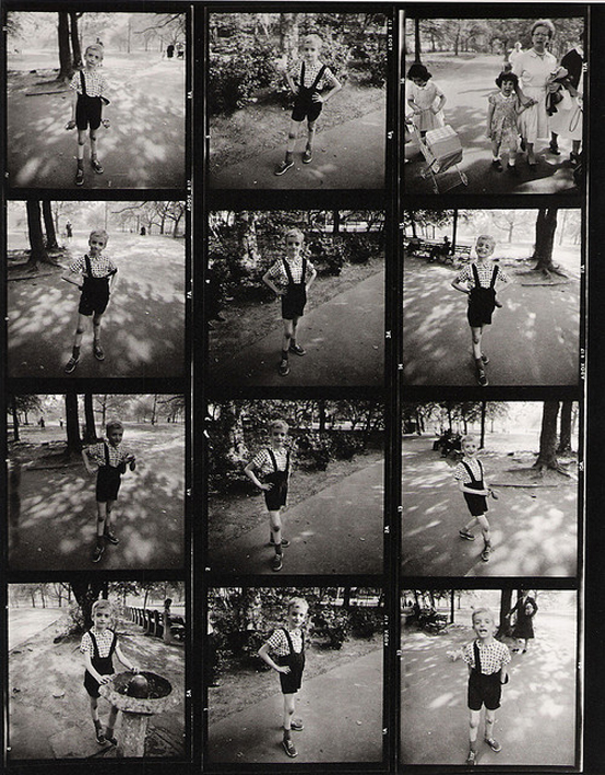 contact sheet / Diane Arbus