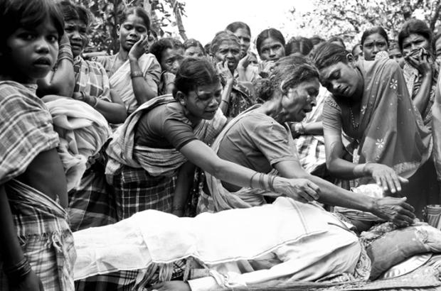 Naxalite funeral, by ©Javed Iqbal