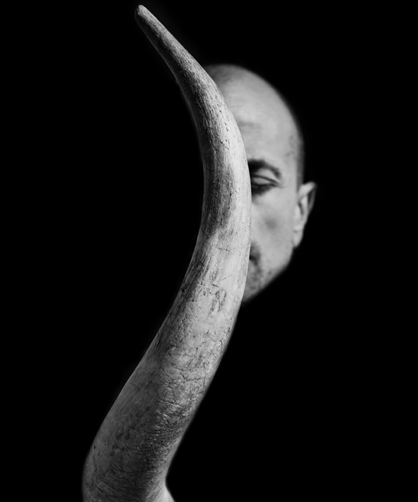 Horned, by ©Gonzalo Bénard