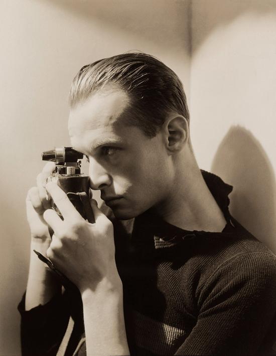 George Hoyningen-Huene by Henri Cartier-Bresson, New York, 1935