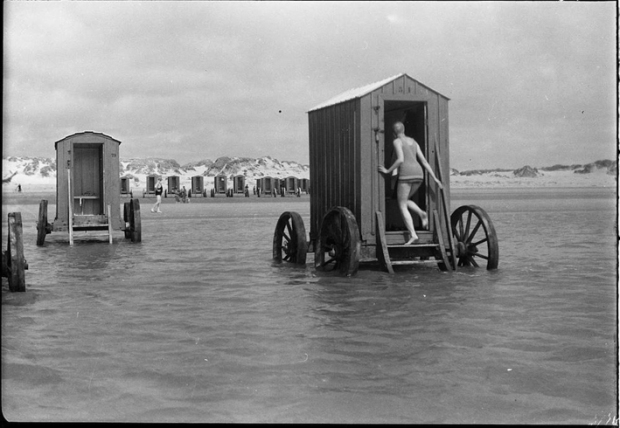 The bathing machine in Victorian times
